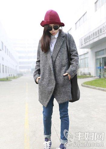 资讯生活外套牛仔裤巧搭配 冬日穿出清新俏妞气质来